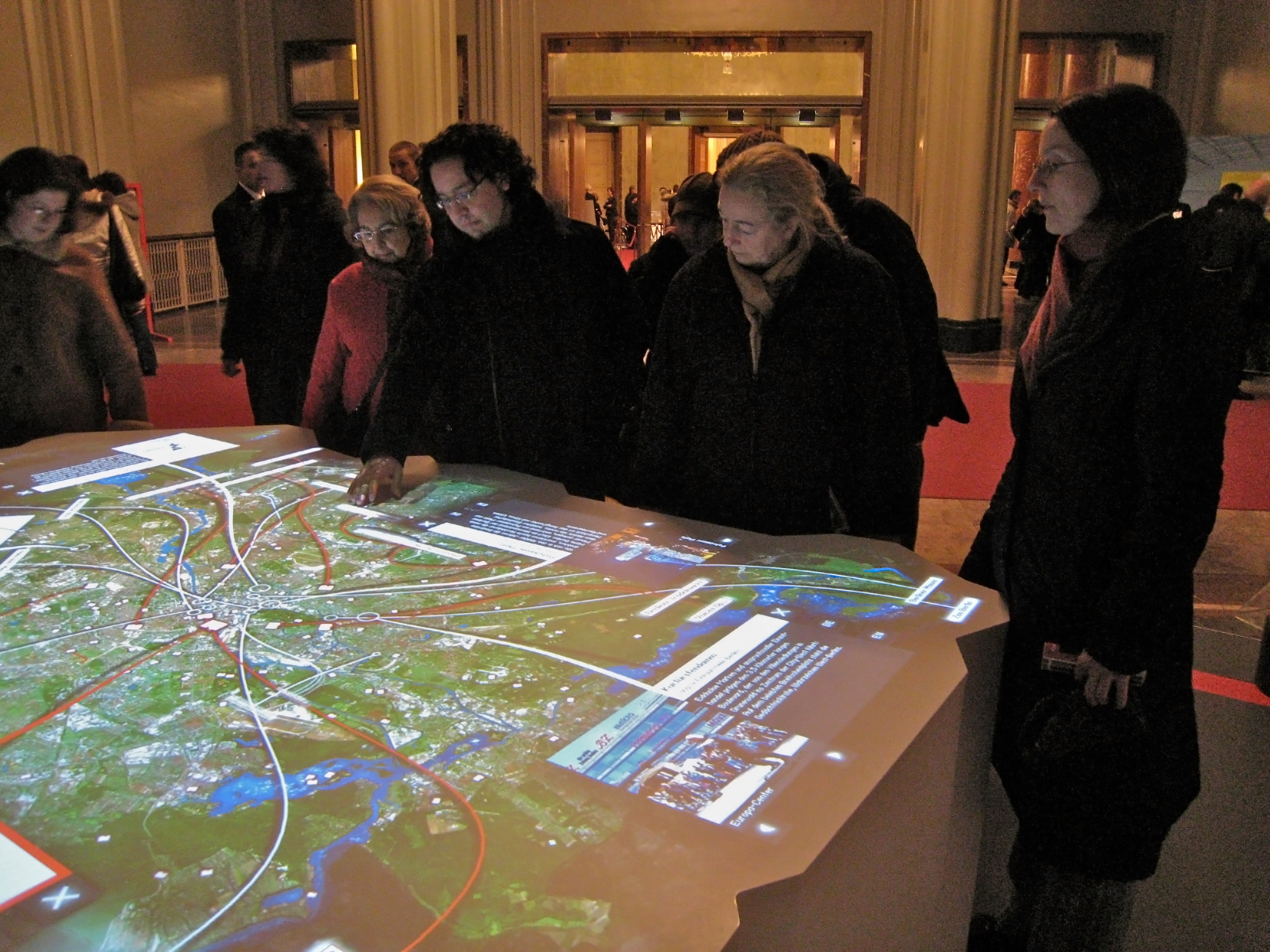 Interactive installation markus lerner interactive city map gumiabroncs Images